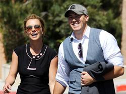Бритни Спирс и ее новый бойфренд Дэвид Лукадо фото.
