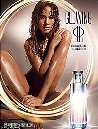 Джей Ло обнажилась для рекламы парфюма.