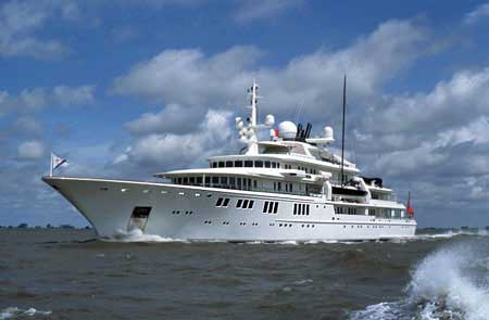 Tatoosh. Фото мега-яхты.